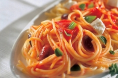 spaghetti with feta and olives
