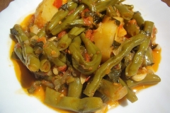 fasolakia (green beans & potatoes)