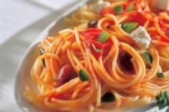 spaghetti with feta and olives