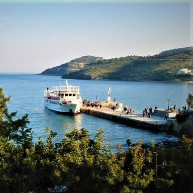 port at Agia Marina (boat from/to Piraeus)